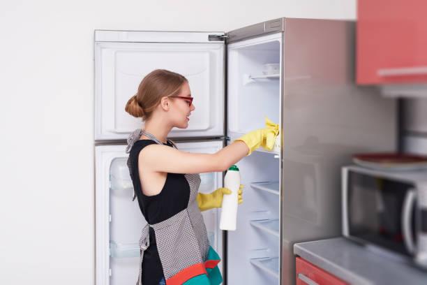 Dịch vụ vệ sinh tủ lạnh tại Bình Dương